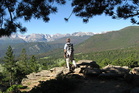 viewpoint of the peaks along the divide