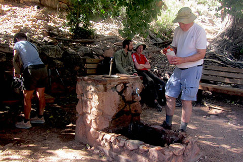 The Indian Garden rest area on the Bright Angel Trail - Grand Canyon